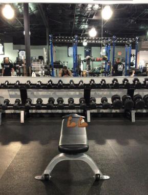 阿尔德里奇发布自己在健身房拍摄的照片