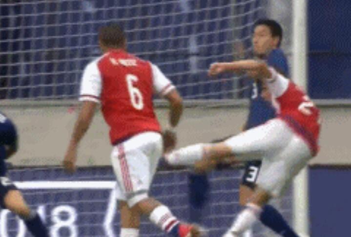 GIF:申花外援罗梅罗凌空斩!日本0-1巴拉圭