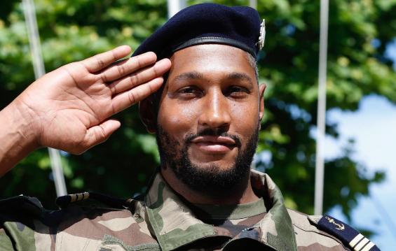 前NBA球员伯瑞斯-迪奥已加入法国海军