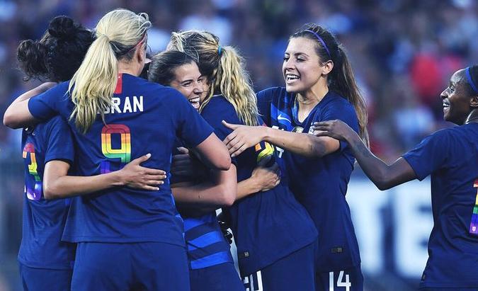 GIF:再次丢球!希斯破门,美国女足2-1中国女足
