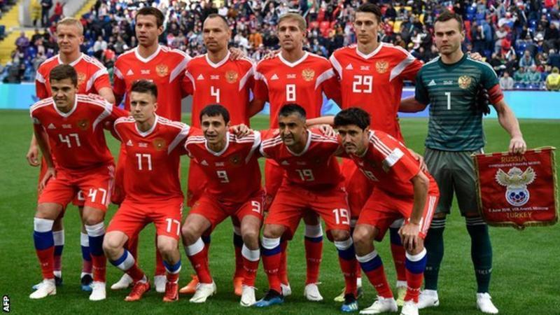 普京:俄罗斯会踢出有尊严的比赛,将战斗到底