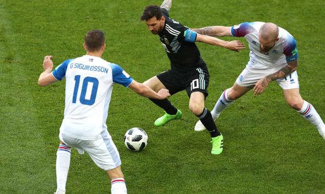 半场:阿圭罗破门芬博阿松进球扳平,阿根廷1-1冰岛