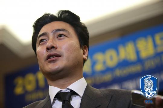 安贞焕:原以为只有西亚球员会卧草,没想到瑞典也会