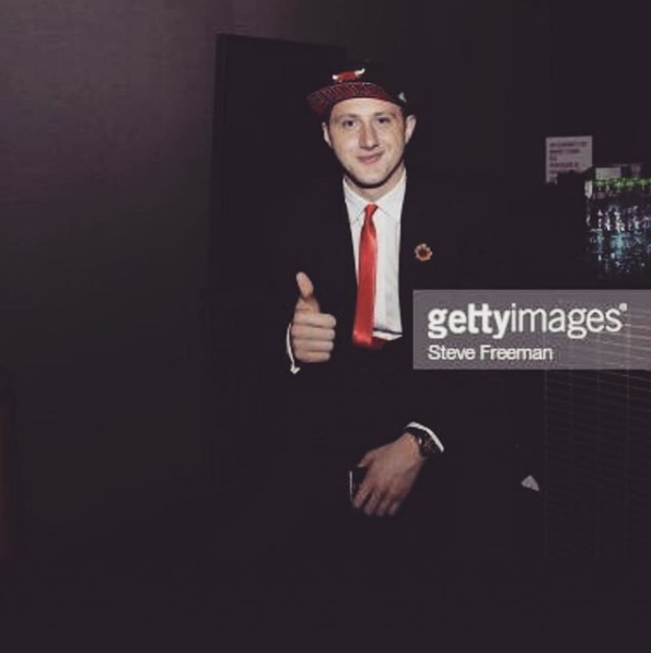 努尔基奇发布个人照:祝每个新秀今晚好运