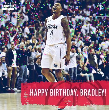 奇才官方祝后卫布拉德利-比尔25岁诞辰 欢愉