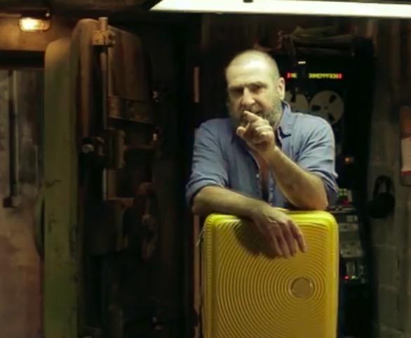 坎通纳:我的行李箱叫内马尔,一碰他就会打转