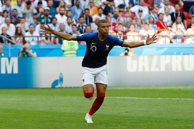 姆巴佩:梅开二度不会阻碍我继续前进;我不是法国队的发言人