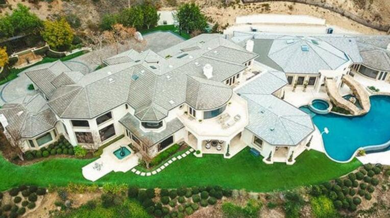 安东尼-戴维斯在洛杉矶购买豪宅