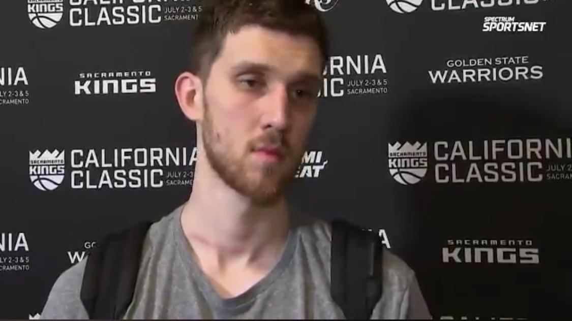 米哈伊柳克:我们在场上努力竞争了,明天会做得更好