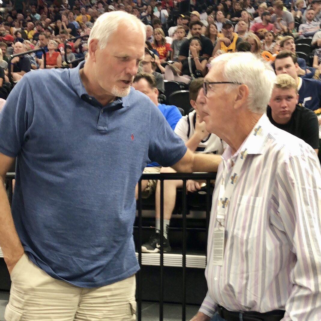 传奇聚首!NBA官方发布斯隆与伊顿合影
