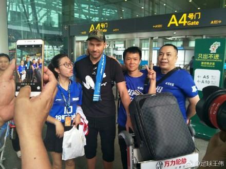 多图流:结束世界杯之旅,富力新援托西奇抵达广州