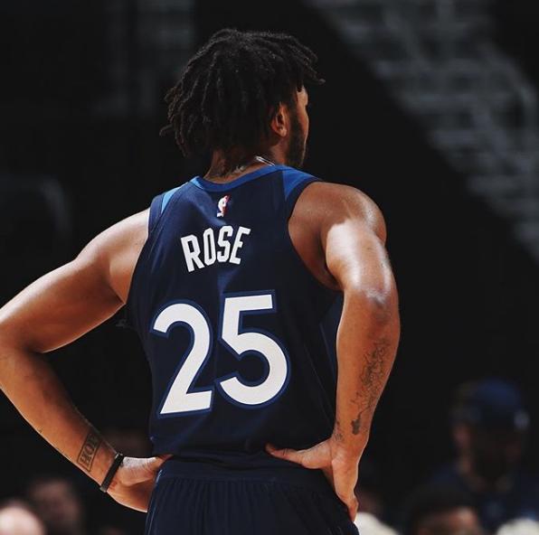 丛林狼宣布 罗斯的赛场照:他回来了