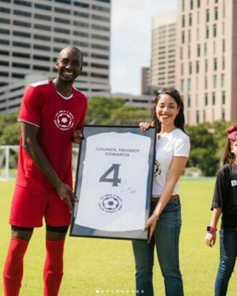 巴莫特发布自己举办慈善足球赛的图集:感谢来参赛的每一个人