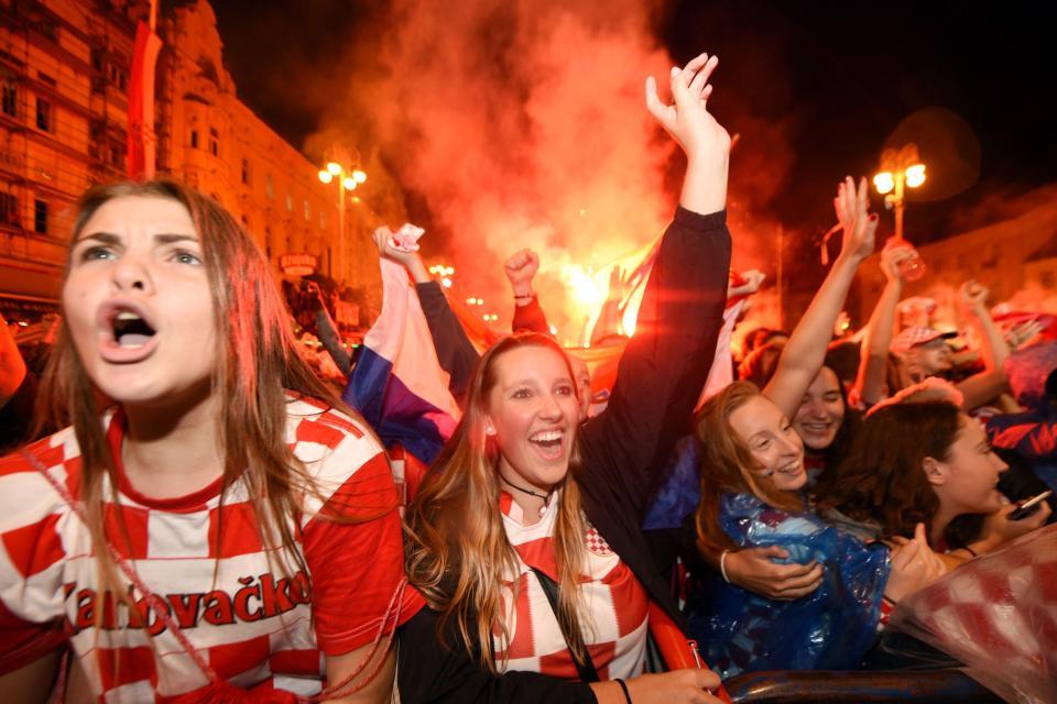 克罗地亚球迷:我们是被战火铸就的一代,我们为此自豪