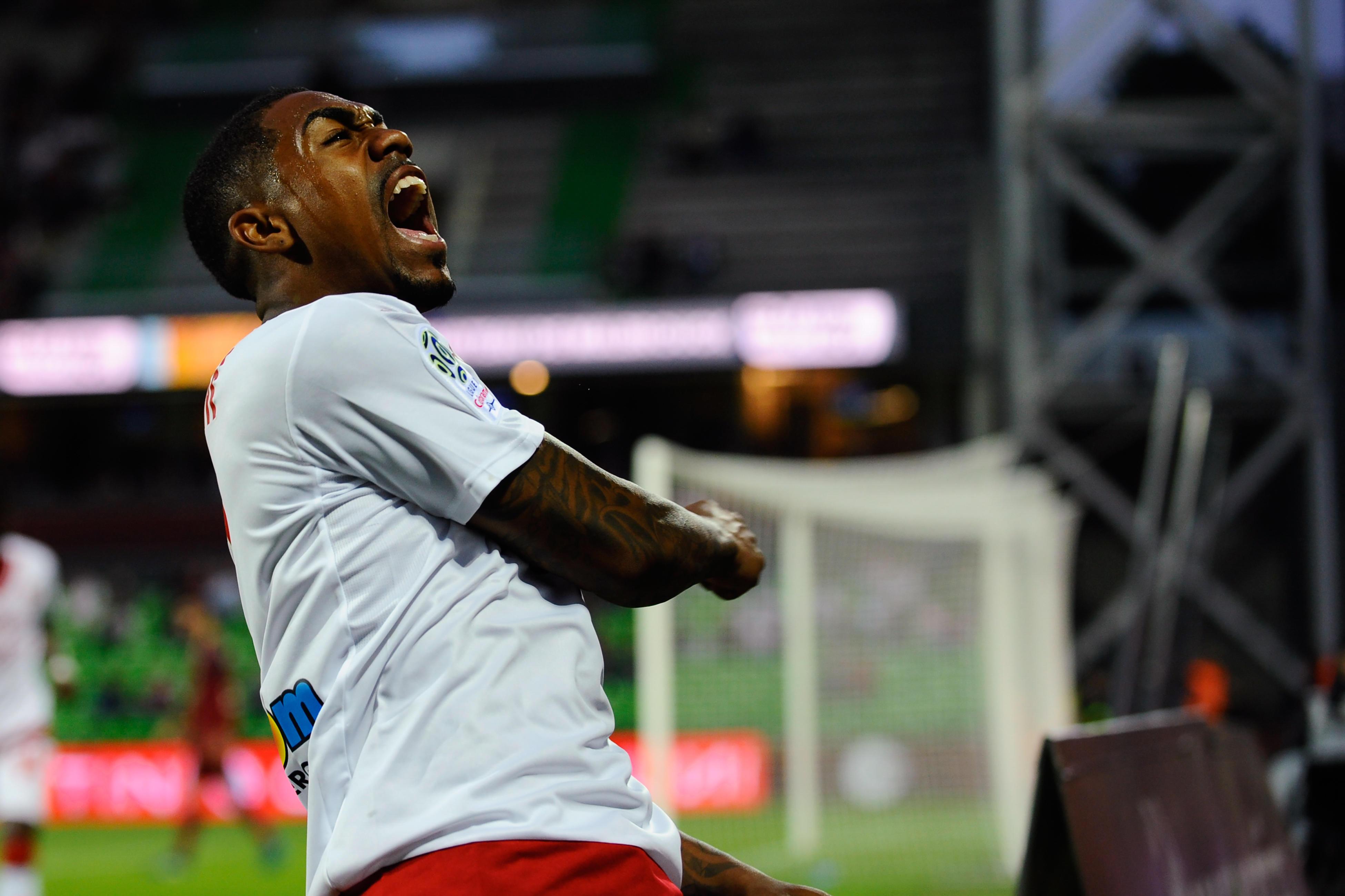 法国足球:热刺有意波尔多边锋马尔科姆