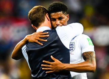 费迪南德:英格兰队让祖国团结起来,英雄般地回家吧!