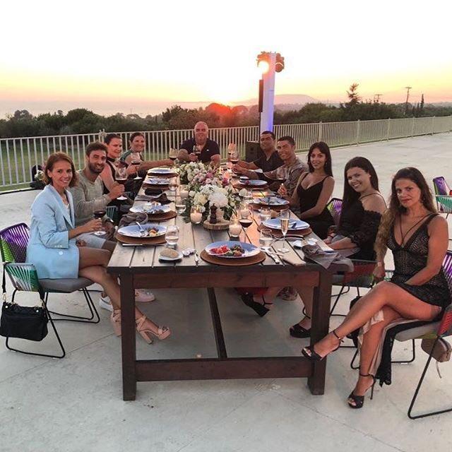 C罗和朋友聚餐:美妙的时刻