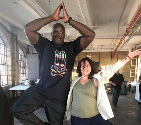 奥尼尔合影瑜伽训练师:即将开始练瑜伽了