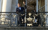 姆巴佩在爱丽舍宫留影被网友调侃:国王姆巴佩挥手向人民致意