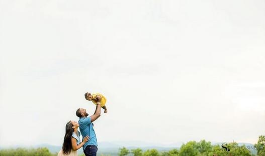 照片出温馨!CJ-迈尔斯晒本身与老婆跟的小女儿