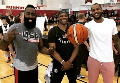 嬉皮笑脸!NBA官方展现哈登威少安东尼三人合照