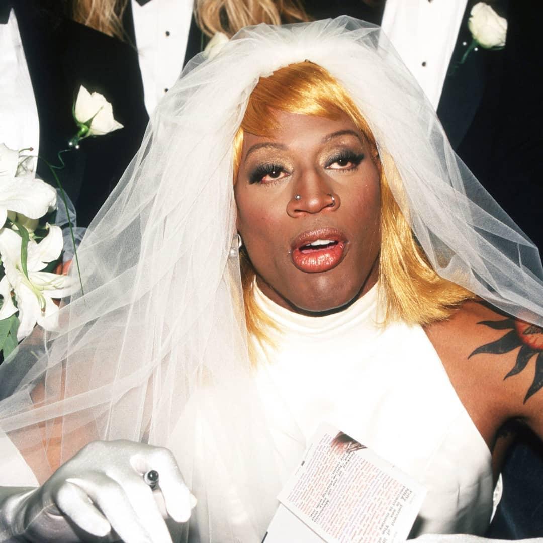 当你想日就周一的时辰起来罗德曼晒小我婚纱照