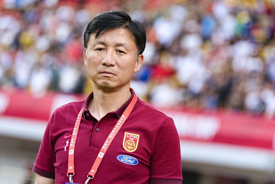 成耀东:黎腾龙会有更多时间,年轻球员争取踢五大联赛