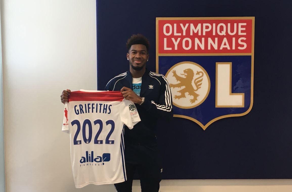 官方:热刺新星格里菲斯转会加盟里昂