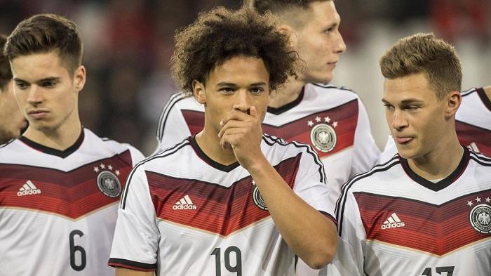 踢球者公布德国足球先生详细排名:萨内基米希并列第四