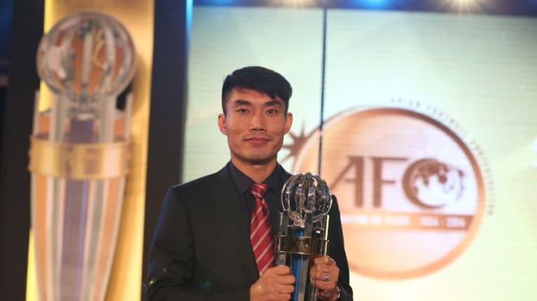 郑智成功获球迷票选亚冠最佳10号,获74%投票