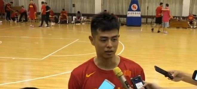 方硕:球队的心不能散,会带着继伟的力量投入到亚运会