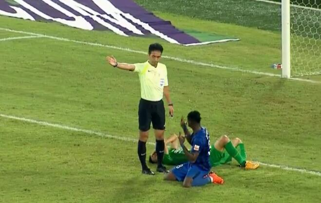 GIF:犯规在先!博阿基耶进球不算