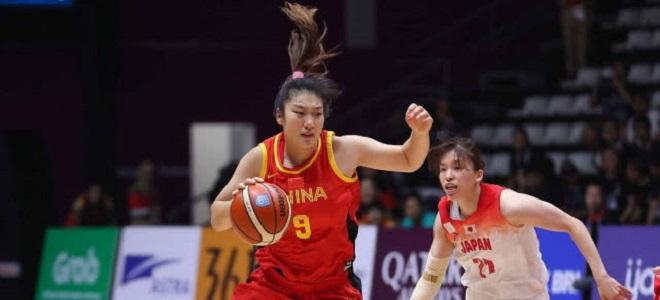 李梦:要一场一场比赛去拼,继续打出女篮精神