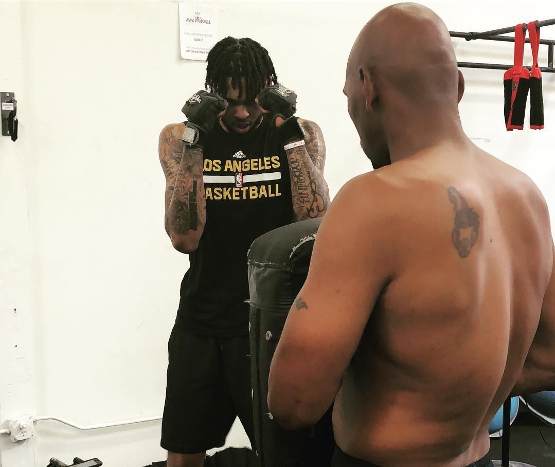 与先辈一路练习!英格拉姆与斯塔克豪斯一路操练拳击
