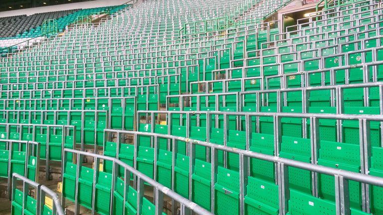 英足总将恢复球场站席, 选择权交由