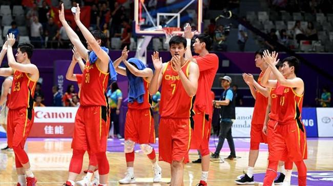 周琦:两支国家队让年轻球员更有机会,要为金牌而战