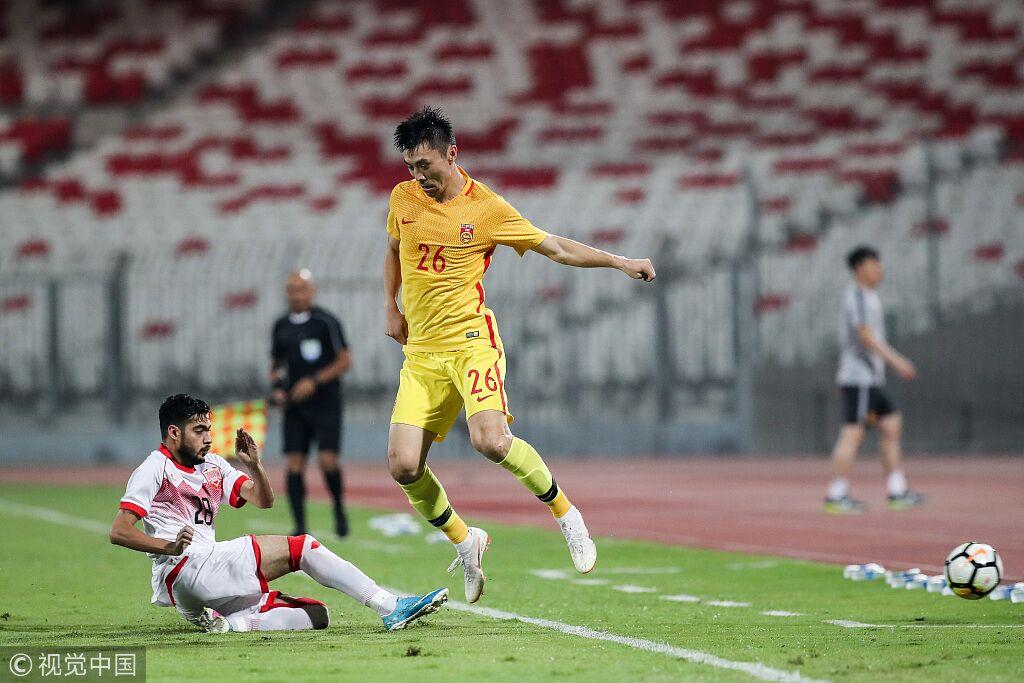 半场:武磊中柱吴曦头球险破门,巴林0-0国足