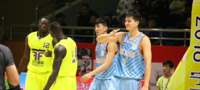 俞长栋16+4,新疆队热身赛大胜澳大利亚麦坎尼队