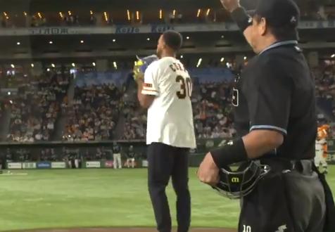 库里为日本棒球队开球,完美结束亚洲行