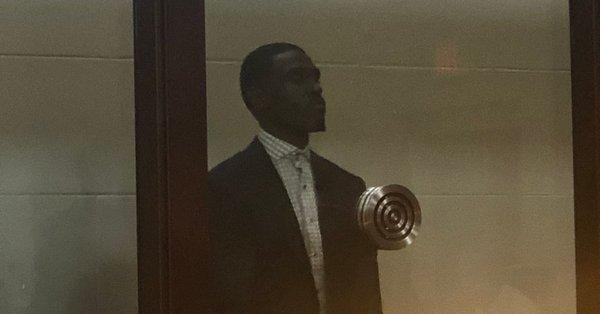 贾巴里- 被指控殴打女友, 需付 5万美元保释金