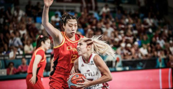 女篮队员谈世界杯首战告捷:球队仍在摸索中