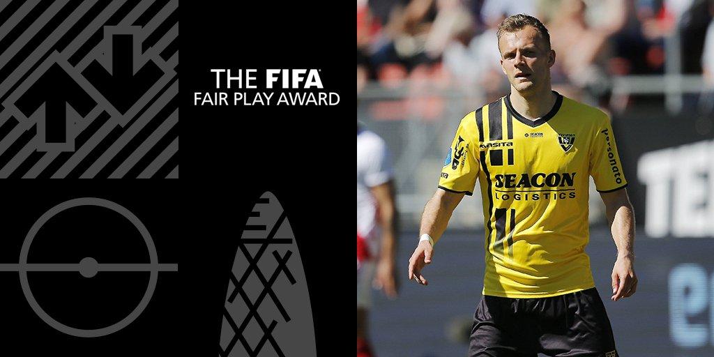 官方:伦纳特-蒂取得国际足联年度公正比赛奖