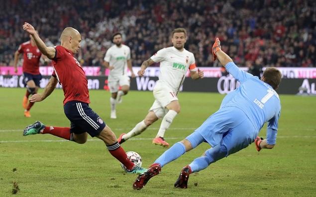 折射中柱罗本内切破门, 拜仁 1-  1奥格斯堡