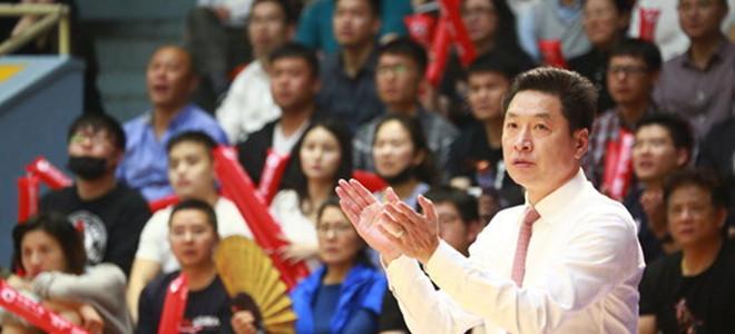 李春江回应获奖:年纪大拿得多,感谢所有人支持