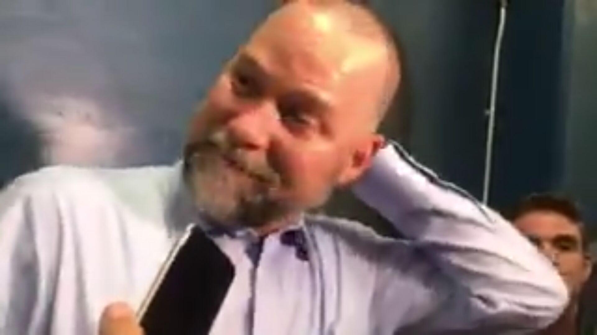 弗格森退休 迈克尔-马龙开玩笑:勒布朗真那么强?湖人没他打得更好