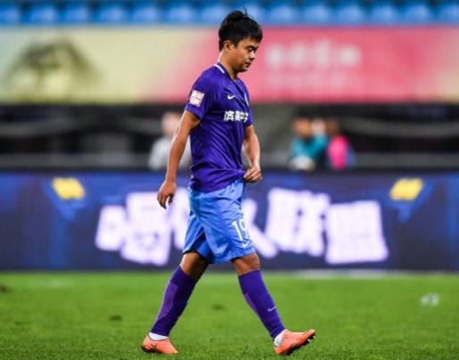 官方:泰达球员白岳峰因报复性蹬踹动作被禁赛6场