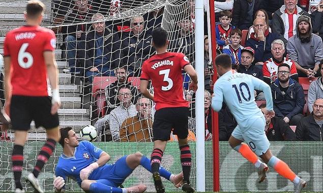 阿扎尔传射莫拉塔破门凯帕多次救险,切尔西客场3-0南安普顿