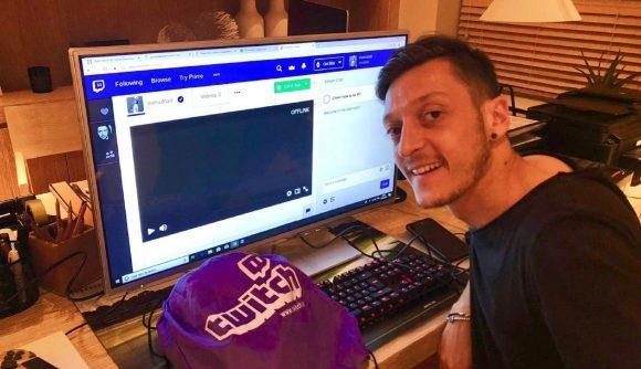 主播厄明星实锤?厄齐尔在Twitch平台开播堡垒之夜