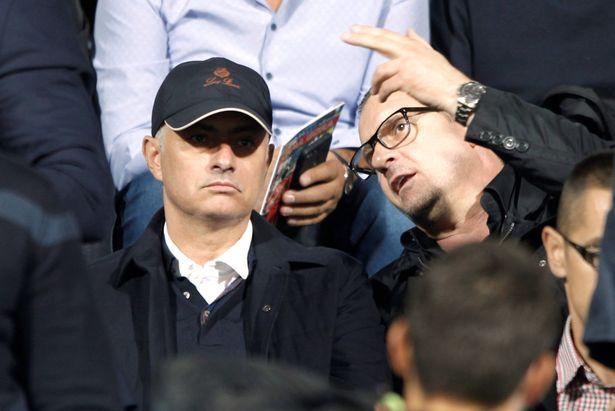 化身球探?穆里尼奥现场观战塞尔维亚对黑山的比赛