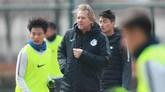 舒斯特尔:中国球员很少抱怨;皇马最大问题是缺乏休息